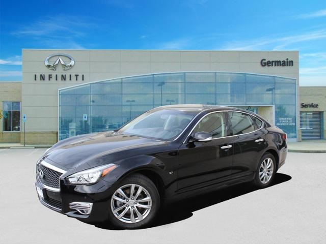 Certified Pre-Owned 2016 INFINITI Q70 3.7 w/ Premium Package